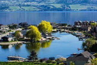 Kelowna luxury waterfront real estate